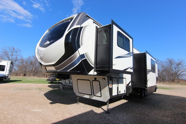 2020 Keystone Montana High Country, la fifth wheel innovante